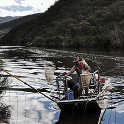 Setting fyke nets on the Murrumbidgee. Photo by Annette Ruzicka.