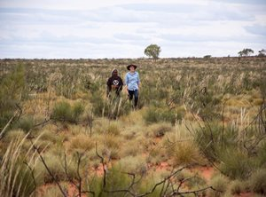 Traditional Owner Rita Cutter and Bush Heritage Ecologist Vanessa Westcott working together on Birriliburu traditional lands. Photo Annette Ruzicka.