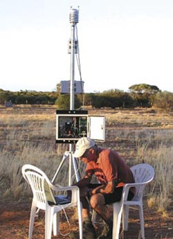 David Ball, Conservation Council of Western Australia volunteer meteorologist, collecting data from the observatory. Photo Andrea Tschirner.