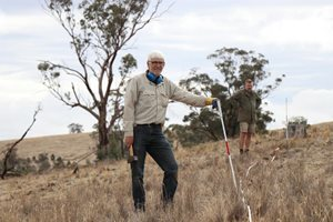 Bush Heritage volunteer Dr Garry McDonald. Photo Kate Thorburn.