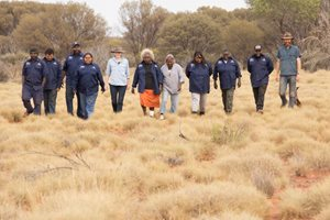 Dr Vanessa Westcott and the Birriliburu Rangers. Photo by Annette Ruzicka.