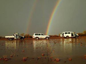 A 4wd convoy after flooding. Photo Julian Fennesy.