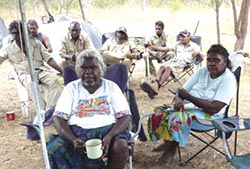 Traditional owners Janet Oobagooma and Margaret Mangulu with Uunguu Rangers in the background at a Healthy Country Planning workshop in May 2009. Photo Lyndall McLean.